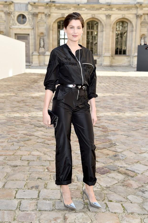 Laetitia Casta no desfile da Dior em Paris (Foto: Getty Images)