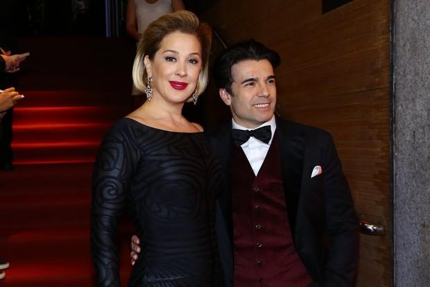 Jarbas Homem de Melo e Claudia Raia (Foto: Alex Palarea e Marcello Sá Barreto / AgNews)