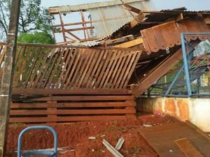 Ventos de até 80 km/h causaram destruição em Ipiranga (Foto: Rude Mainardes/Arquivo Pessoal)
