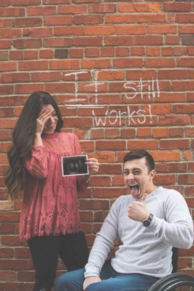 """A frase """"Ainda funciona"""" deu um clima de descontração ao ensaio  (Foto: Kayla Duffin Photography)"""