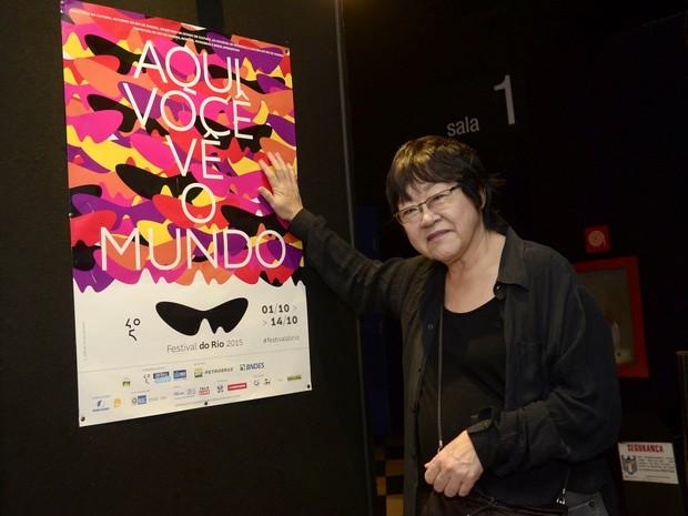 Diretora Tizuka Yamasaki em cinema na Zona Sul do Rio (Foto: Roberto Teixeira/ EGO)