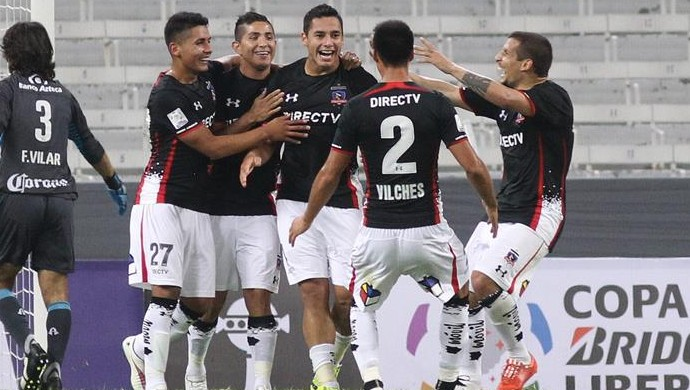 Colo-Colo vence o Atlas (Foto: EFE)