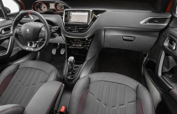 Peugeot 208 GT (Foto: Marcos Camargo / Autoesporte)