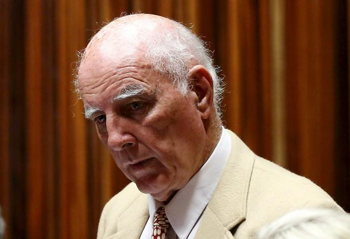 Bob Hewitt foi condenado culpado por casos de estupro (Foto: REUTERS/Siphiwe Sibeko)