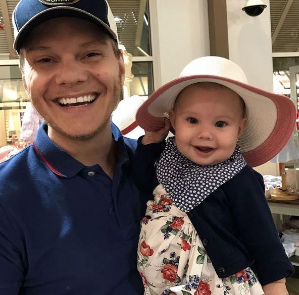 Michel Teló e filha Melinda (Foto: Instagram / Reprodução)