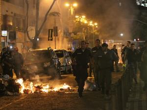 Protesto e confronto após manifestações de professores no Rio  (Foto: João Laet/Agência O Dia/Estadão Conteúdo)