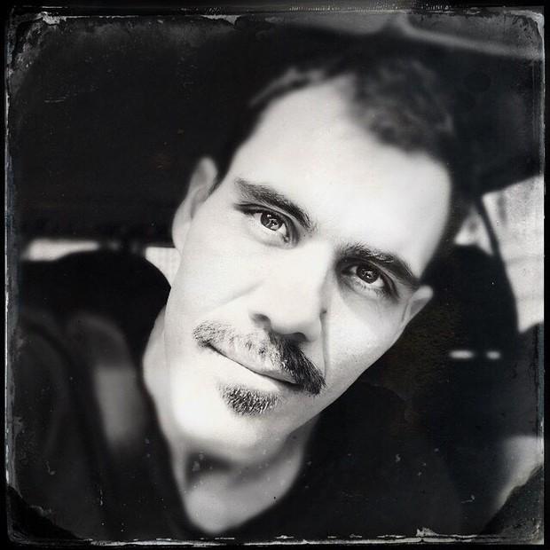 Juliano Cazarré muda visual e aparece sem barba (Foto: Reprodução / Instagram)