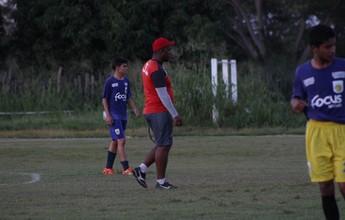 """Vladimir de Jesus comemora 10 dias de treinos para """"formatar"""" Flamengo-PI"""