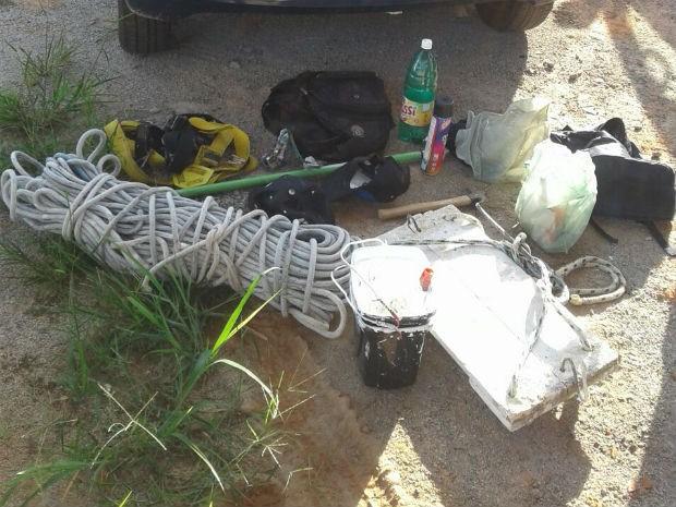 Material usado na pichação apreendido pela Guarda Municipal (Foto: Guarda Civil Municipal/Divulgação)