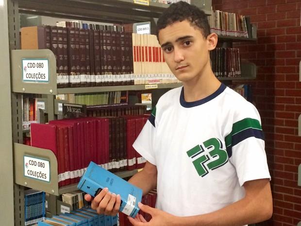 Thompson Vitor foi 1º lugar geral no IFRN, mas se mudou para Fortaleza após receber oferta de bolsa (Foto: Jane Queiroz)
