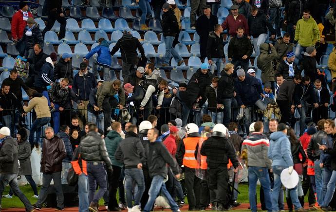 Briga Slovan Bratislava x Sparta Praga (Foto: AFP)