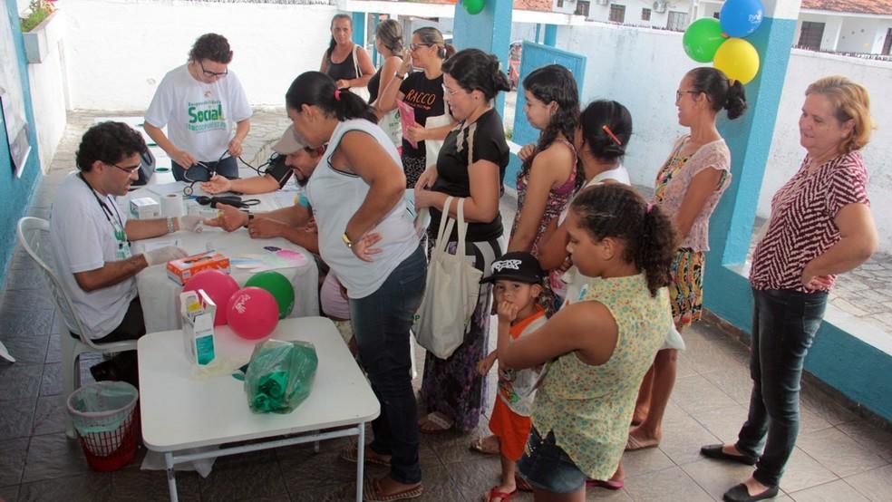 População ainda contou com serviços de verificação da pressão arterial e glicemia (Foto: Alberi Pontes/Divulgação)