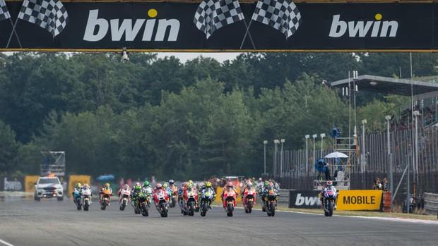 """BLOG: MM Artigos Imperdíveis - """"Como funciona o controle de largada da MotoGP"""" - de Mat Oxley para Motor Sport Magazine..."""