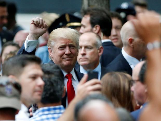 Candidato à presidência dos EUA, Donald Trump vai a cerimônia de homenagem às vítimas dos ataques ao World Trade Center (Foto: REUTERS/Brendan McDermid)