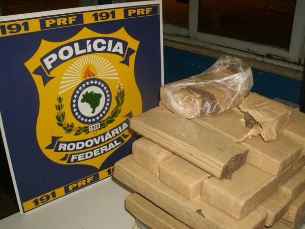 Apreensão droga Polícia Rodoviária Federal Araxá (Foto: PRF/Divulgação)