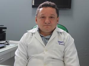 Diretor do HUT, Gilberto Albuquerque (Foto: Gil Oliveira/ G1)