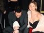 Filha de Adam Levine e Behati Prinsloo dá show de fofura em evento