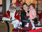 Bianca Castanho leva a filha para tirar foto com Papai Noel