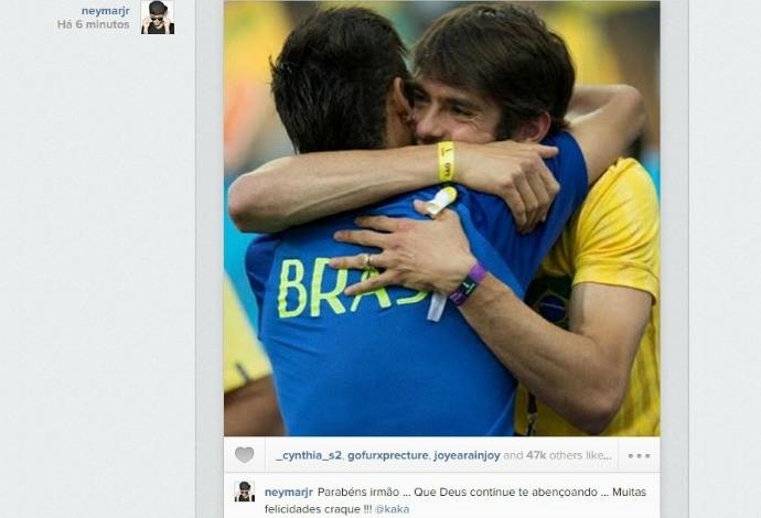 Neymar parabeniza Kaká