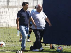 diretor-executivo Rui Costa e presidente Romildo Bolzan Júnior Grêmio (Foto: Lucas Uebel/Grêmio)