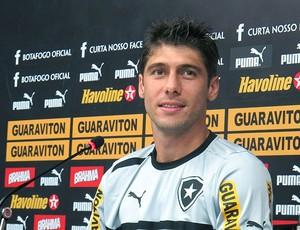 Fellype Gabriel na coletiva do Botafogo (Foto: Fred Huber / Globoesporte.com)