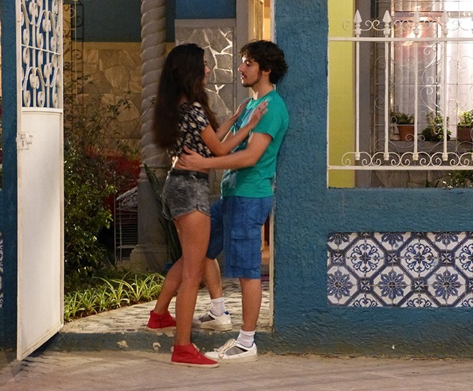 Luan vivia na casa da Lu, mas o rapaz vacilou feio com a namorada e os dois se afastaram (Foto: TV Globo)