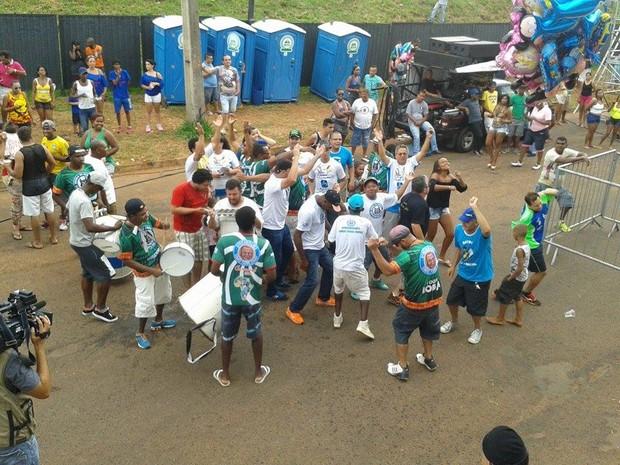 Bloco da Inclusão Social  Aparu de Uberlândia (Foto: Caroline Aleixo/G1)