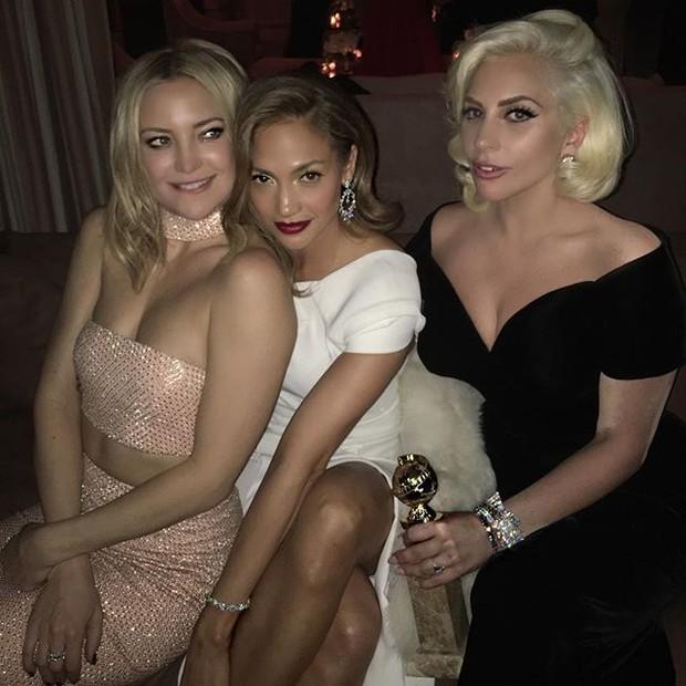 Kate Hudson, Jennifer Lopez e Lady Gaga em festa em Los Angeles, nos Estados Unidos (Foto: Instagram/ Reprodução)