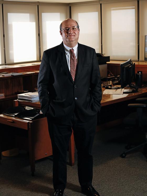 Ilan Goldfajn em seu gabinete no Banco Central. (Foto: Sérgio Lima/ÉPOCA)