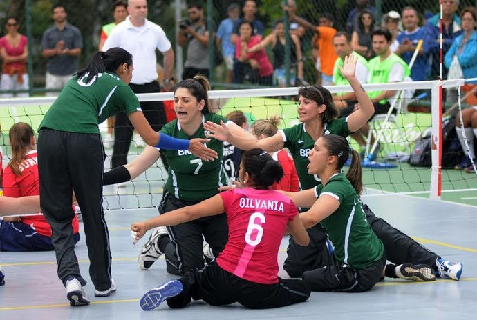Brasil levou a melhor sobre os EUA no vôlei sentado (Foto: André Durão)
