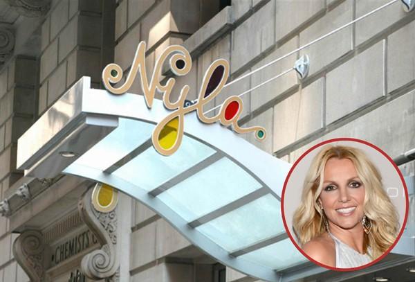 O Nyla de Britney Spears, em Nova York, servia comida italiana em 2002. Atualmente está fora de funcionamento (Foto: Getty Images / Divulgação)