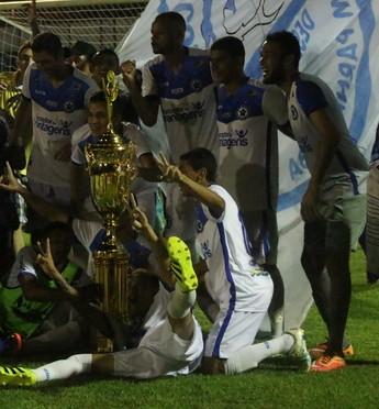 Parnahyba festeja conquista do título do turno do Campeonato Piauiense 2017 (Foto: Wenner Tito)