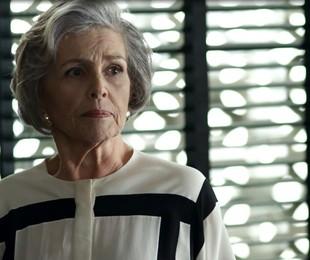 Irene Ravache é Sabine em 'Pega pega' | Reprodução