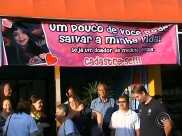 A campanha já conseguiu levar muitos moradores de Salto para se cadastrar no Banco Nacional de Medula Óssea (Foto: Reprodução/TV Tem)