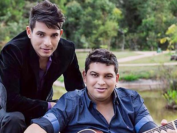 A dupla sertaneja Heverton & Heverson, atração deste sábado no Carro de Boi, no Paranoá, no DF (Foto: W4 Music/Divulgação)