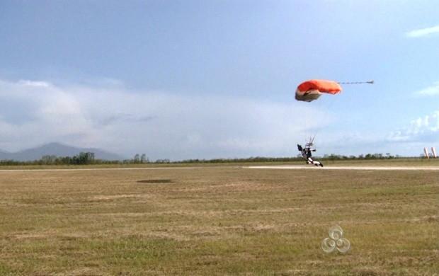 Primeira 'Copa 2-way' de paraquedismo é realizada em Boa Vista (Foto: Bom Dia Amazônia)