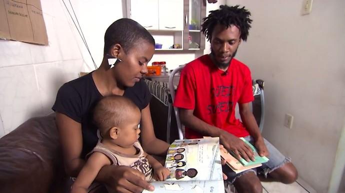 Blogueira Lorena Ifé conta experiências da maternidade real (Foto: TV Bahia)