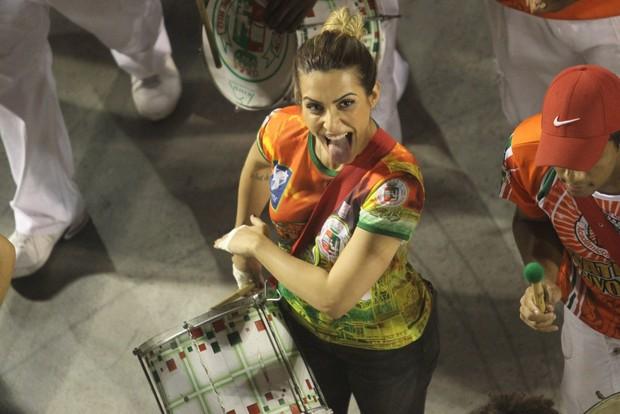 Cleo Pires em ensaio da Grande Rio na Marquês de Sapucaí, no Rio (Foto: Raphael Mesquita/ Foto Rio News)