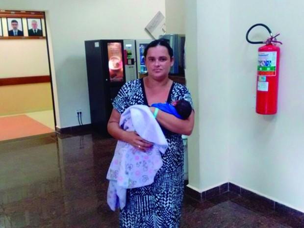 Mãe morreu três dias após dar à luz na Santa Casa de Pirassununga (Foto: Arquivo Pessoal)
