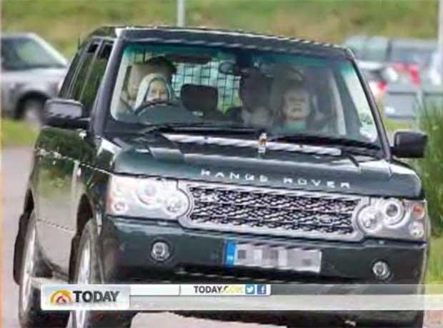 Rainha Elizabeth II saía de castelo na Escócia (Foto: Reprodução)