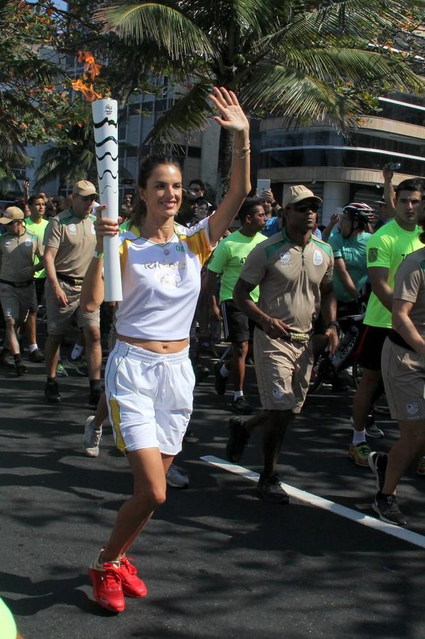 Alessandra Ambrósio  (Foto: Wallace Barbosa e J Humberto/ Ag. News)