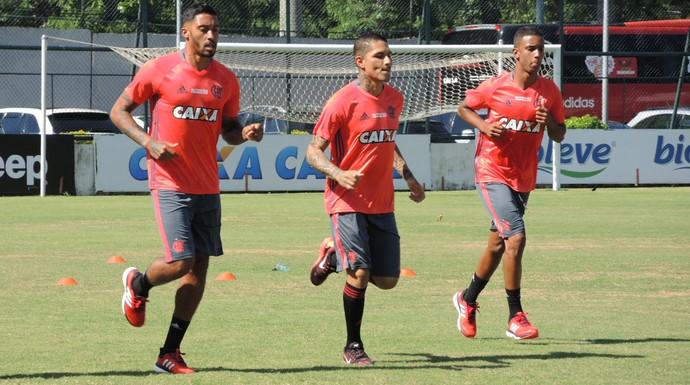 César Martins, Guerrero e Jorge correm na Gávea (Foto: Gustavo Rotstein/GloboEsporte.com)