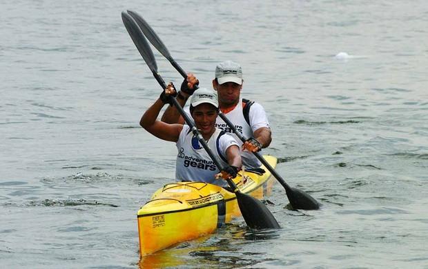 Carmen Silva e Fábio Paiva em desafio de canoagem no Brasil (Foto: Arquivo Pessoal)