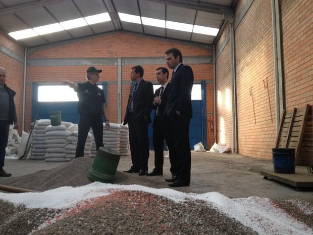Fertilizantes eram adulterados e vendidos para agricultores (Foto: Ministério Público/Divulgação)