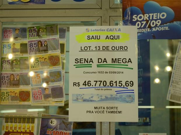 Cartaz inspira outros apostadores a tentar, em Ribeirão Preto (Foto: Amanda Pioli/G1)