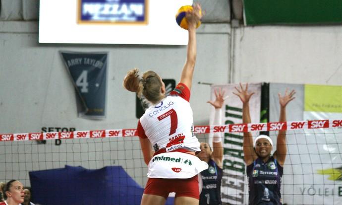 Vôlei Bauru x Brasília, Superliga feminina, Mari (Foto: Neide Carlos / Vôlei Bauru)