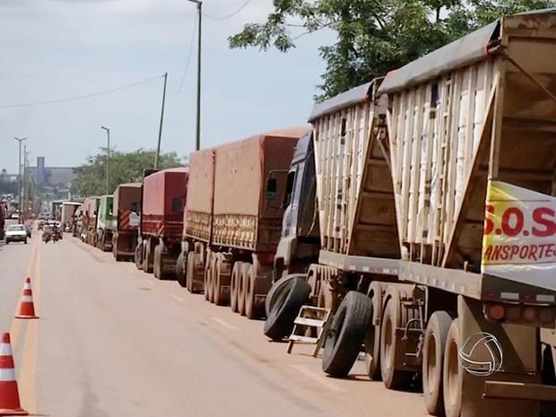Protesto dos caminhoneiros nas rodovias de Mato Grosso 2 (Foto: Reprodução/TVCA)