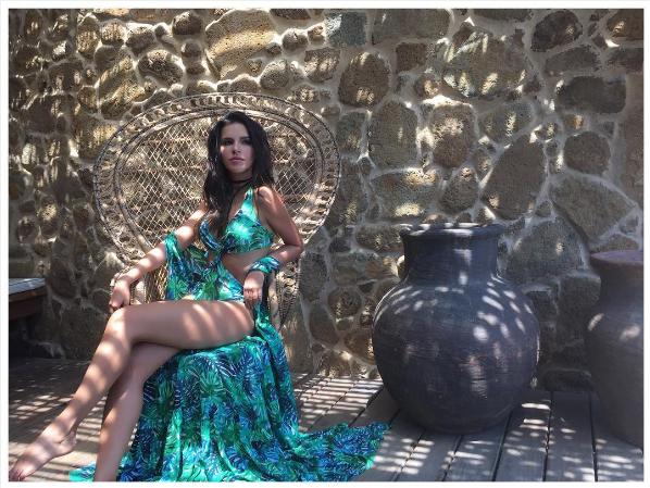 Mariana Rios é garota propaganda da marca de moda praia (Foto: Reprodução / Instagram)