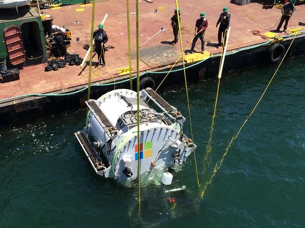 Microsoft testou instalação de datacenter no Oceano Pacífico em 2015 (Foto: Divulgação/Microsoft)
