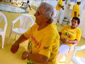 Aposentada superou depressão com ajuda da capoeira em São Carlos (Foto: Wilson Aiello/EPTV)
